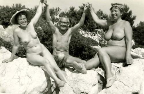 seveller familie naken dame